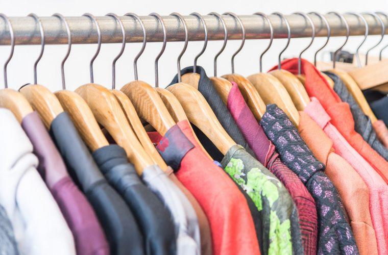 Abbigliamento in vendita Lombardia